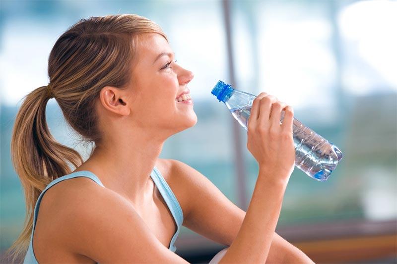 disidratazione bottiglia acqua